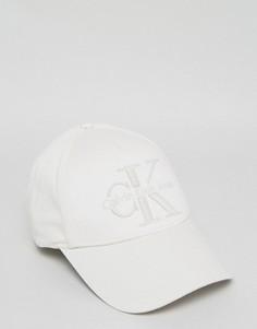 Бейсболка Calvin Klein - Белый