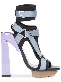 босоножки на платформе с Т-образным ремешком  Versace