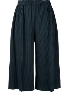 широкие укороченные брюки A-POC Pleats 3 Issey Miyake Cauliflower