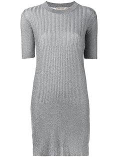 вязаное платье-свитер в рубчик Maison Kitsuné