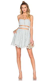 Приталенное и расклешенное платье lia - X by NBD