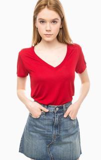 Бордовая футболка с треугольным вырезом Levis®
