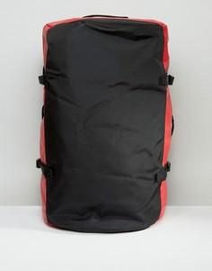 Небольшая красная сумка дафл The North Face Base Camp - Красный