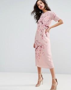Цельнокройное платье миди с вышивкой ASOS - Розовый