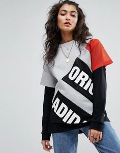 Футболка с логотипом и сетчатыми рукавами adidas Originals Berlin - Серый