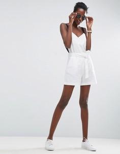 Льняные шорты с ремнем ASOS - Белый