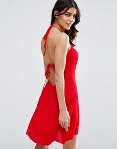 Сарафан из мятой ткани с завязкой сзади ASOS - Красный
