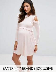 Трикотажное платье с вырезами на плечах и оборками Missguided Maternity - Розовый