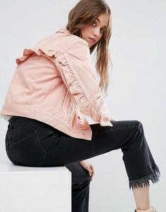 Джинсовая куртка выбеленного розового цвета с оборками на спине ASOS - Розовый