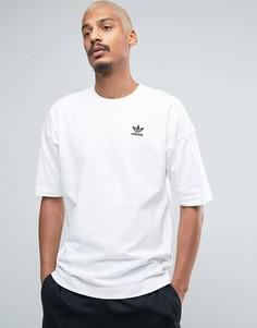 Футболка с заниженной линией плеч adidas Originals Shadow Tones CE7109 - Белый