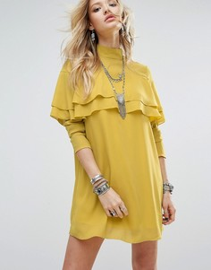Цельнокройное платье с высокой горловиной, длинными рукавами и оборками Glamorous - Желтый