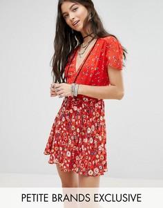 Чайное платье с цветочным принтом Glamorous Petite - Мульти