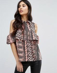 Блузка с открытыми плечами, принтом и оборками Ax Paris - Мульти