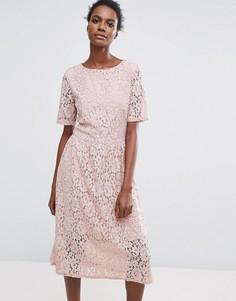 Розовое кружевное платье Selected - Розовый