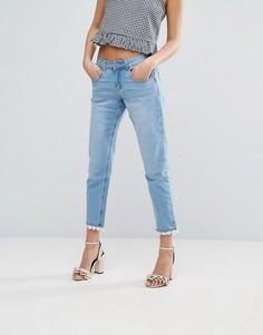 Узкие джинсы бойфренда с маргаритками у кромки Lost Ink - Синий