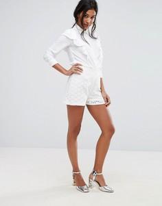 Приталенные кружевные шорты Boohoo - Белый