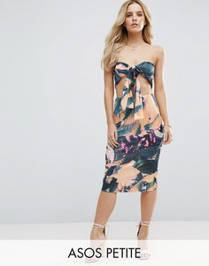 Платье миди с лифом-бандо и тропическим принтом ASOS PETITE - Мульти
