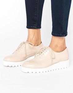 Лакированные туфли на платформе London Rebel - Бежевый