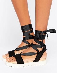 Сандалии с завязками и помпонами Miss KG Dakota - Черный