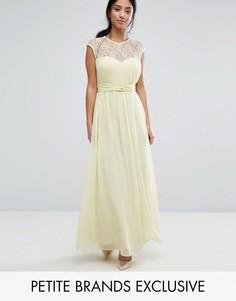 Платье макси с фигурным кружевом на лифе и складками Little Mistress Petite - Желтый