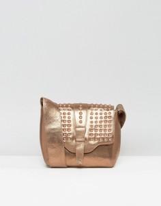 Бронзовая кожаная фестивальная сумка через плечо с заклепками в цвет Urbancode - Медный