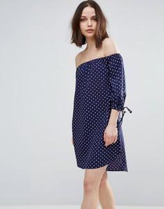 Платье с широким вырезом и манжетами на завязках Influence - Синий