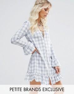 Свободное платье мини в клеточку с оборками Glamorous Petite - Мульти