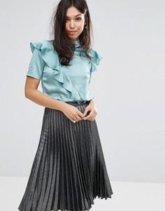 Атласный топ с высокой горловиной и оборкой Fashion Union - Зеленый