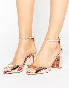 Босоножки с эффектом металлик на среднем каблуке Miss KG - Золотой