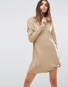Свободное вязаное платье с V-образным вырезом ASOS - Бежевый