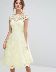 Кружевное платье для выпускного с широкой горловиной Chi Chi London Premium - Желтый