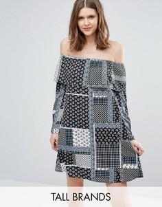 Платье с широким вырезом, оборками и принтом пэтчворк Influence Tall - Мульти