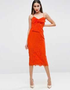 Кружевное платье-футляр миди с бантом на груди ASOS - Розовый