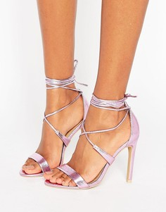 Розовые босоножки металлик на каблуке с завязкой True Decadence - Розовый
