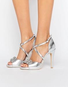 Босоножки на каблуке с перекрестными ремешками и отделкой True Decadence - Серебряный