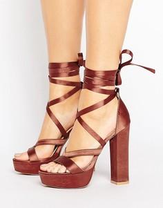 Атласные сандалии на каблуке и платформе с завязками Public Desire Stella - Оранжевый