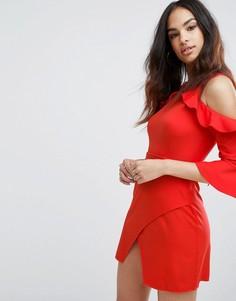 Платье мини с вырезами на плечах и оборками Boohoo - Красный