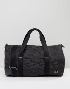 Черная сумка с камуфляжным принтом Fred Perry - Черный