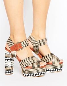 Сандалии на каблуке и платформе Glamorous Crafty - Мульти