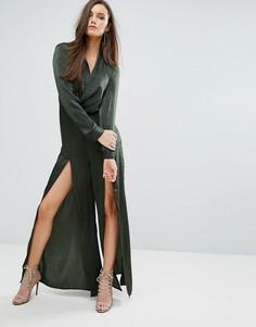 Атласный комбинезон с запахом и разрезами по бокам Stylestalker - Зеленый
