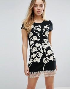 Цельнокройное платье с цветочной отделкой и кружевом кроше Jasmine - Черный