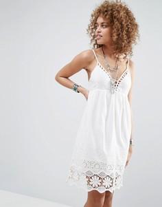 Платье с отделкой кроше Pepe Jeans Nati - Белый