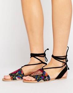 Замшевые сандалии с вышивкой и завязкой ASOS FEMME - Черный