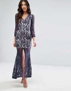 Кружевное платье макси с длинными рукавами и разрезом спереди Club L - Темно-синий