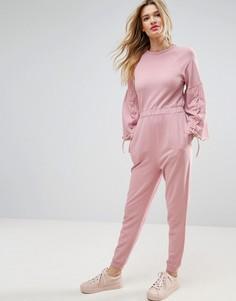Трикотажный комбинезон с рукавами-клеш и шнуровкой ASOS - Розовый