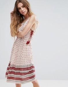 Платье с принтом Glamorous - Красный