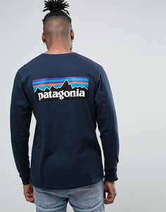 Темно-синий лонгслив классического кроя с логотипом на спине Patagonia P-6 - Темно-синий