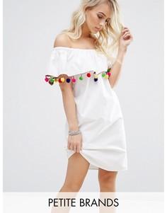 Платье с открытыми плечами и отделкой помпонами Noisy May Petite - Белый