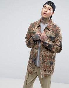 Куртка в стиле милитари с камуфляжным принтом ASOS - Зеленый