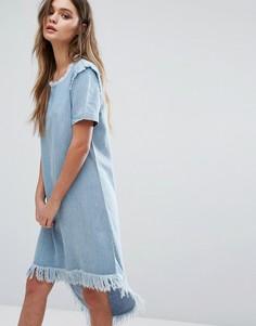 Джинсовое платье асимметричной длины с необработанными краями Only - Синий
